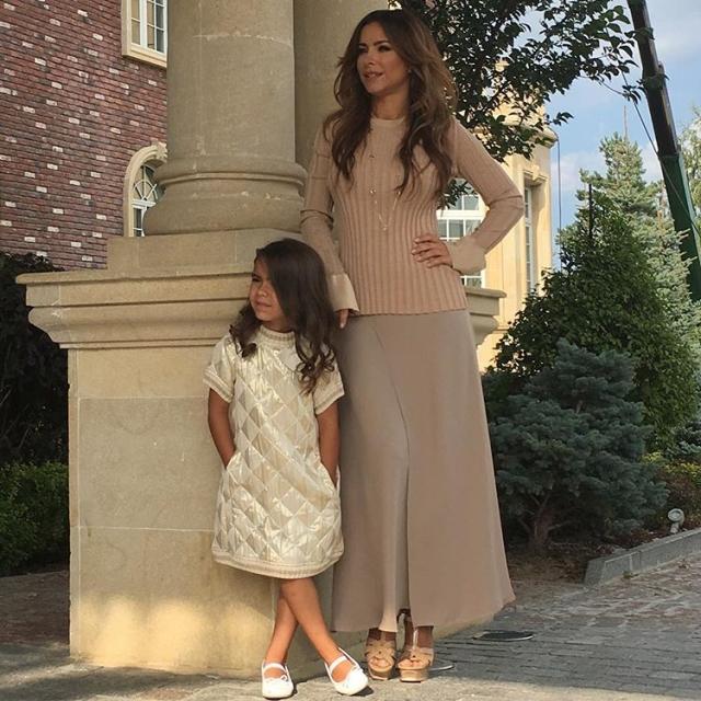 Дочери Ани Лорак — 6 лет: как звездная мама поздравила свою мини-копию (ФОТО) - фото №1