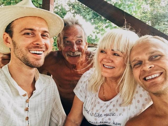 Праздник по-домашнему: Макс Барских показал свою семью (ФОТО) - фото №1