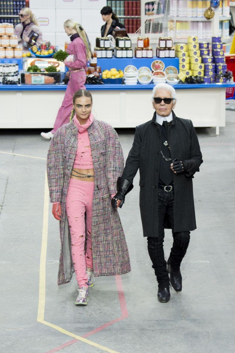 Неделя моды в Париже: Chanel осень-зима 2014-2015 - фото №5