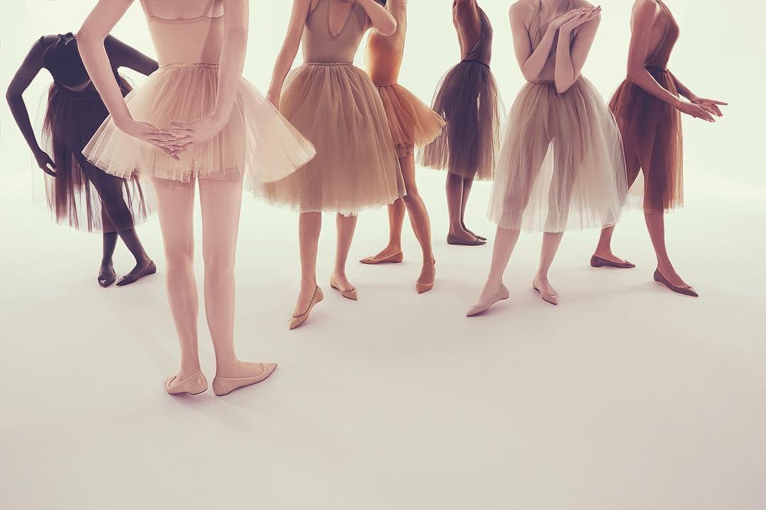 Лабутены для всех цветов кожи: появилась коллекция универсальных балеток - фото №2