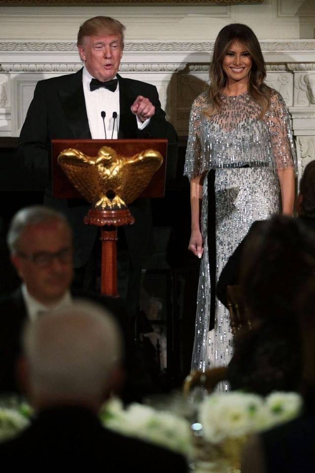 Званый ужин: Мелания Трамп в платье за 8000$ восхитила общество (ФОТО) - фото №2
