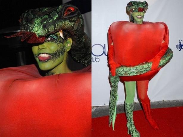 Неповторимая Хайди Клум: потрясающие костюмы супермодели на Хэллоуин - фото №6
