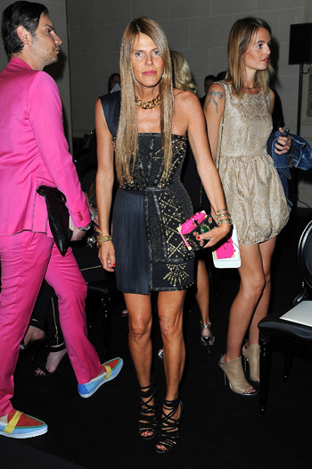 Показ Versace открыл Неделю высокой моды в Париже - фото №7