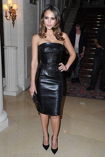 Показ Versace открыл Неделю высокой моды в Париже - фото №4