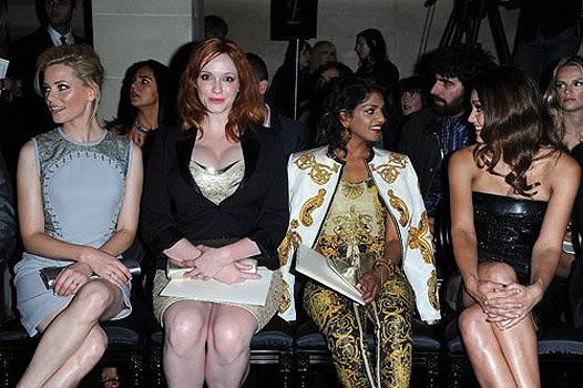Показ Versace открыл Неделю высокой моды в Париже - фото №1