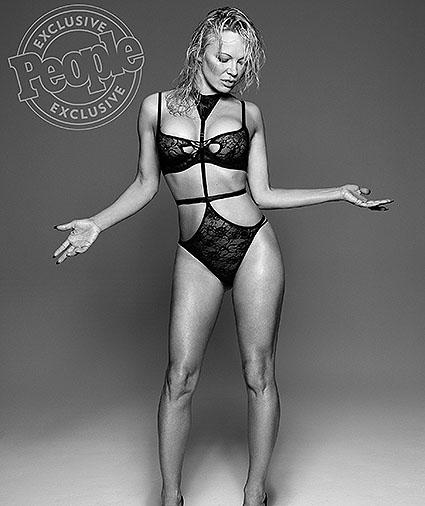 Памела Андерсон показала фигуру в белье и рассказала о стройности в свои 49 - фото №3