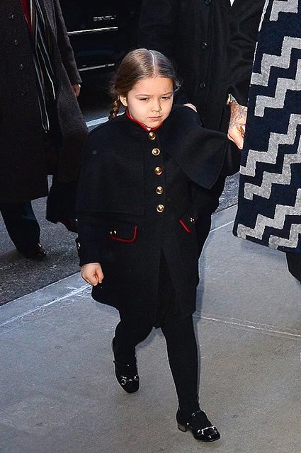 Виктория Бекхэм сделала из имени своей дочери Харпер бренд одежды и косметики - фото №1