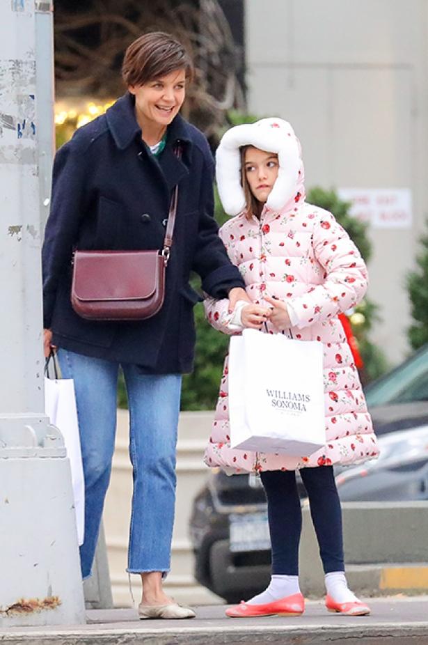 Кэти Холмс с 11-летней дочерью Сури