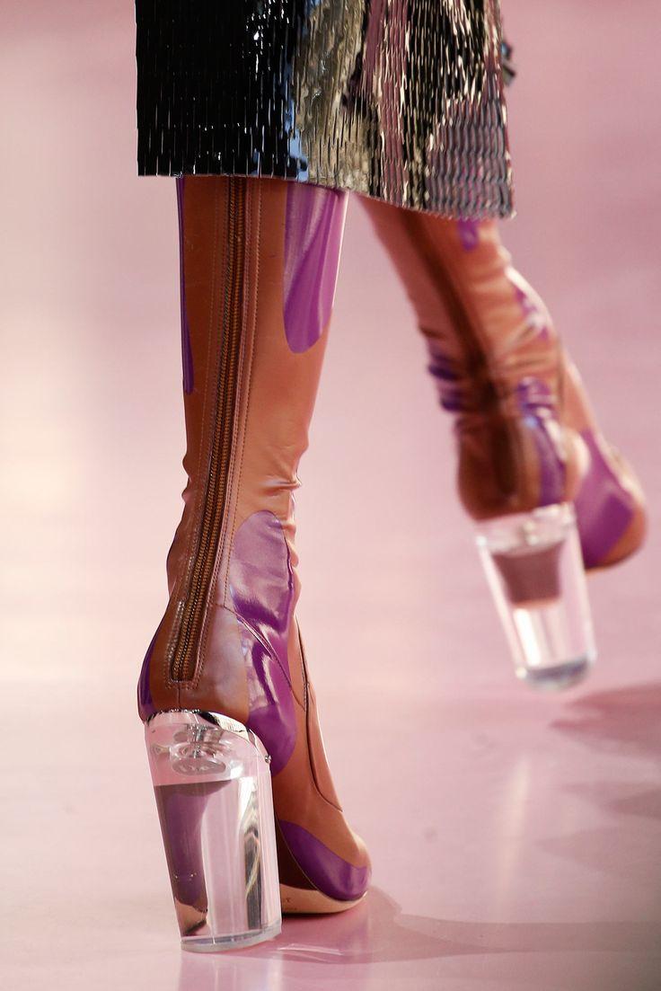 Модная обувь 2015/16: ботфорты, латекс, мех и прозрачный каблук