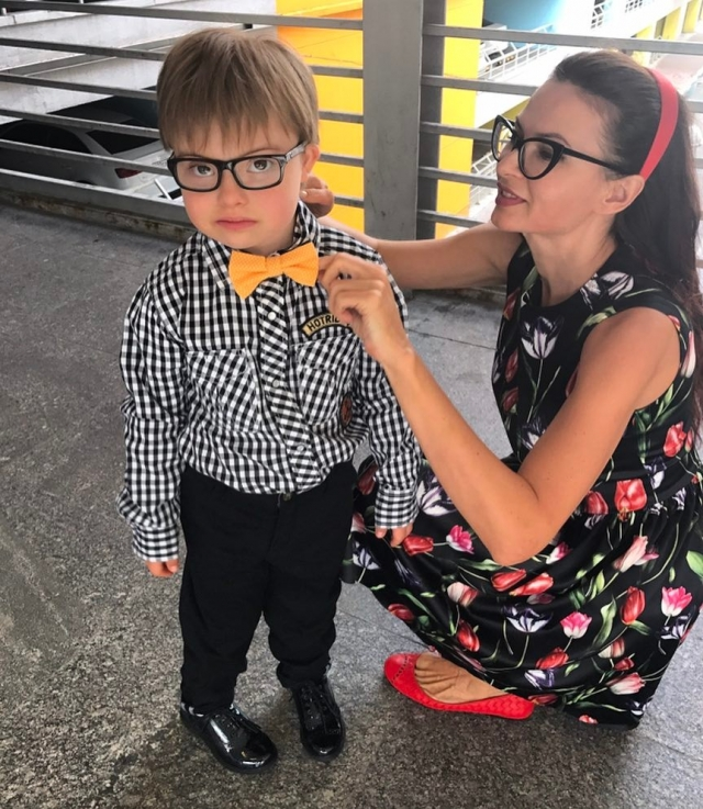 Эвелина Бледанс скрывает развод с мужем от сына с синдромом Дауна - фото №1