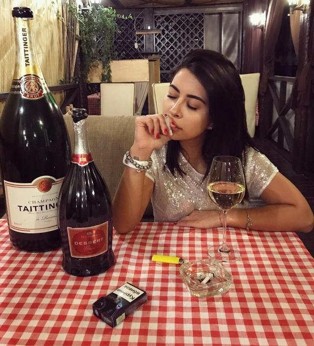 Экс-невеста Виталия Козловского посвятила ему стих и нашла утешение в алкоголе (ФОТО) - фото №1