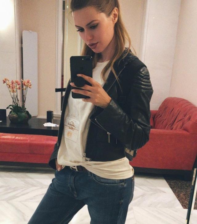 С чужого плеча: Виктория Боня донашивает джинсы за бывшим мужем-миллиардером (ФОТО) - фото №1