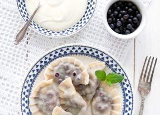 Рецепты с черникой: что можно приготовить из полезной ягоды – от вареников до пирога - фото №3