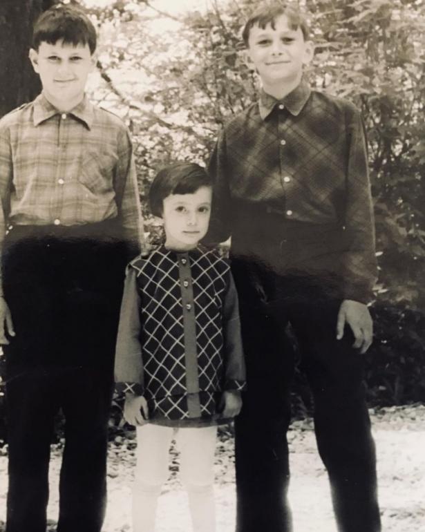 Валерий и Константин Меладзе с сетрой Лианой в детстве