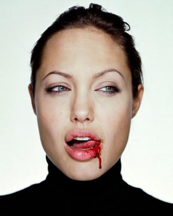 Эволюция стиля Анджелины Джоли за 25 лет: от бунтарки к ролевой модели
