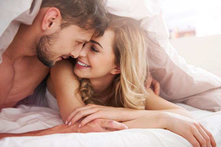 парень и девушка романтика фото