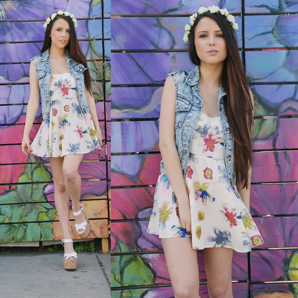 Модные платья в цветочек сезона весна-лето 2013 - фото №1