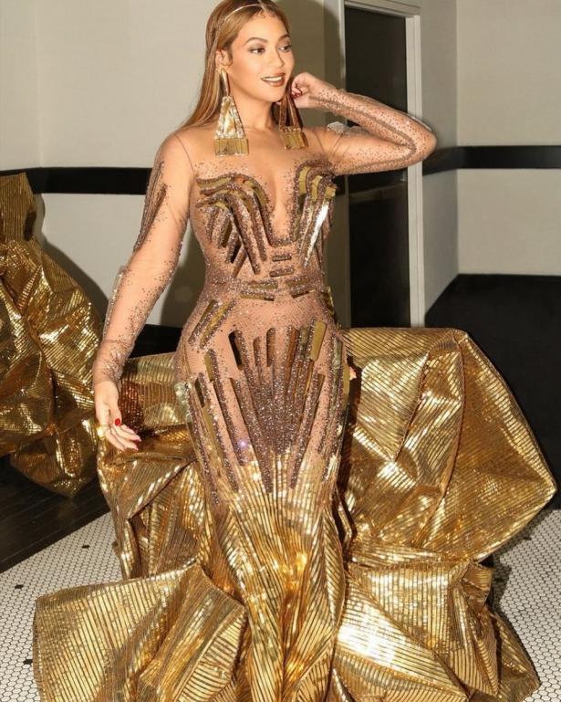 золотое платье бейонсе