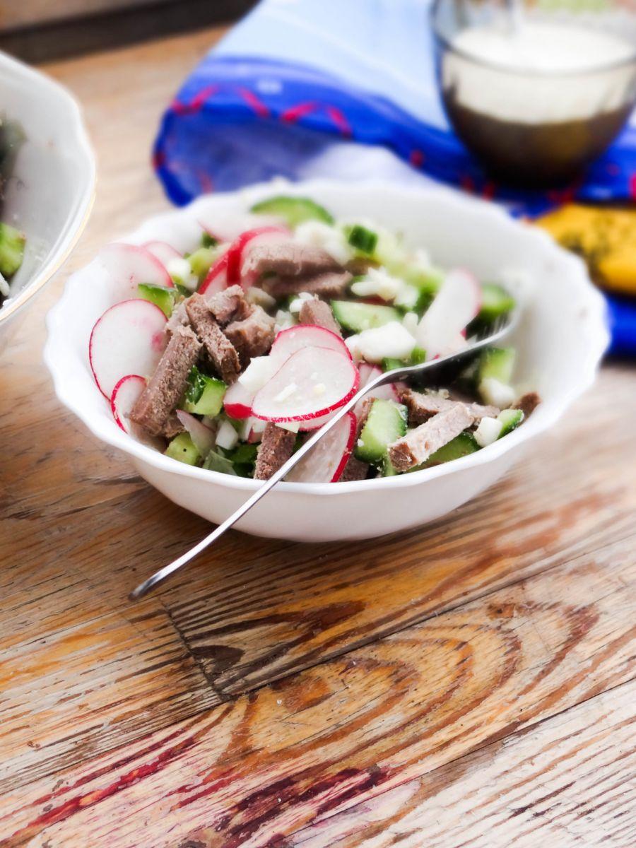 Салат из молодого редиса: рецепты приготовления - фото №3