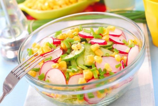 Салат с редисом: лучшие витаминные рецепты - фото №2