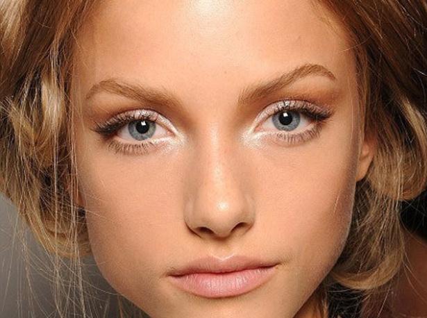 Как сделать снежный макияж глаз: пошаговый фото-урок - фото №1