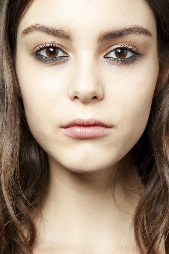 Надо попробовать: делаем сочный макияж с акцентом на нижнее веко (+ВИДЕО) - фото №7