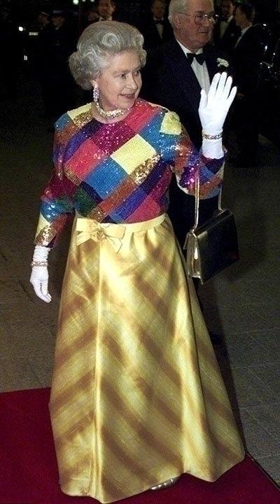 Эволюция стиля королева Елизваеты II 1973 год