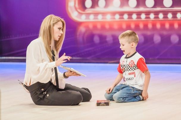 Новое шоу с Ольгой Фреймут: телеведущая попыталась выполнить цирковой номер - фото №3