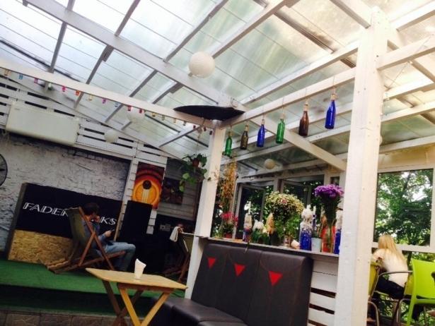 Топ-10 лучших ресторанов и кафе с летними террасами в Киеве - фото №12