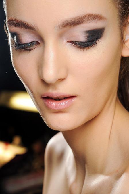 Топ 5 ведущих визажистов на Неделях моды - фото №44