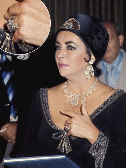 Самые роскошные помолвочные кольца звезд. ФОТО - фото №3