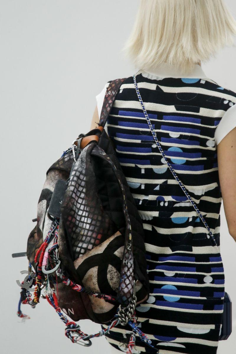 Рюкзак в стиле хиппи от Chanel - фото №2