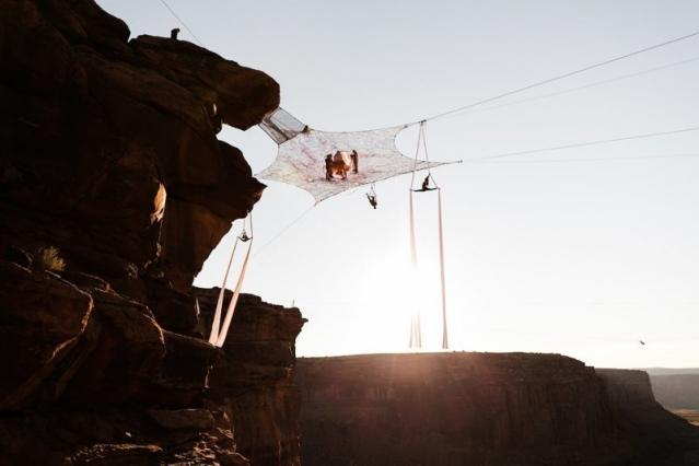 """Свадьба над каньоном: она сказала """"да"""" на высоте 122 метра - фото №6"""