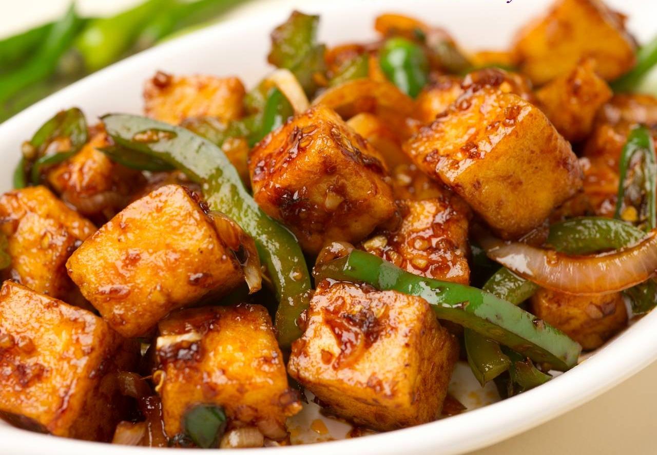 Как приготовить индийский сыр панир: острое блюдо с имбирем - фото №1