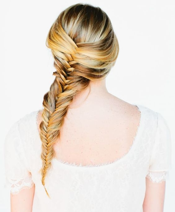 """Как плести косу """"рыбий хвост"""": учимся делать стильное плетение на все случаи жизни - фото №3"""