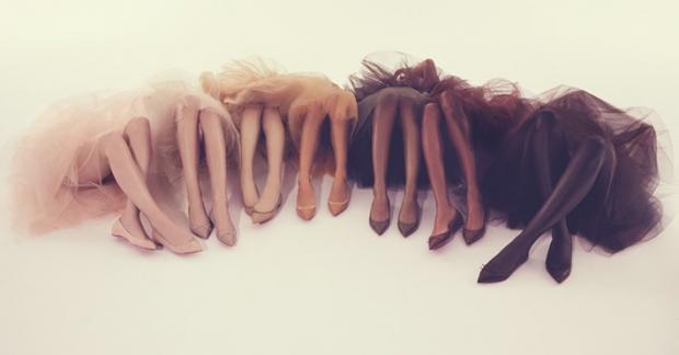Лабутены для всех цветов кожи: появилась коллекция универсальных балеток - фото №1