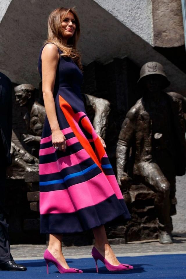 Ломая стереотипы: Мелания Трамп умело разнообразила строгий дресс-код (ФОТО) - фото №1