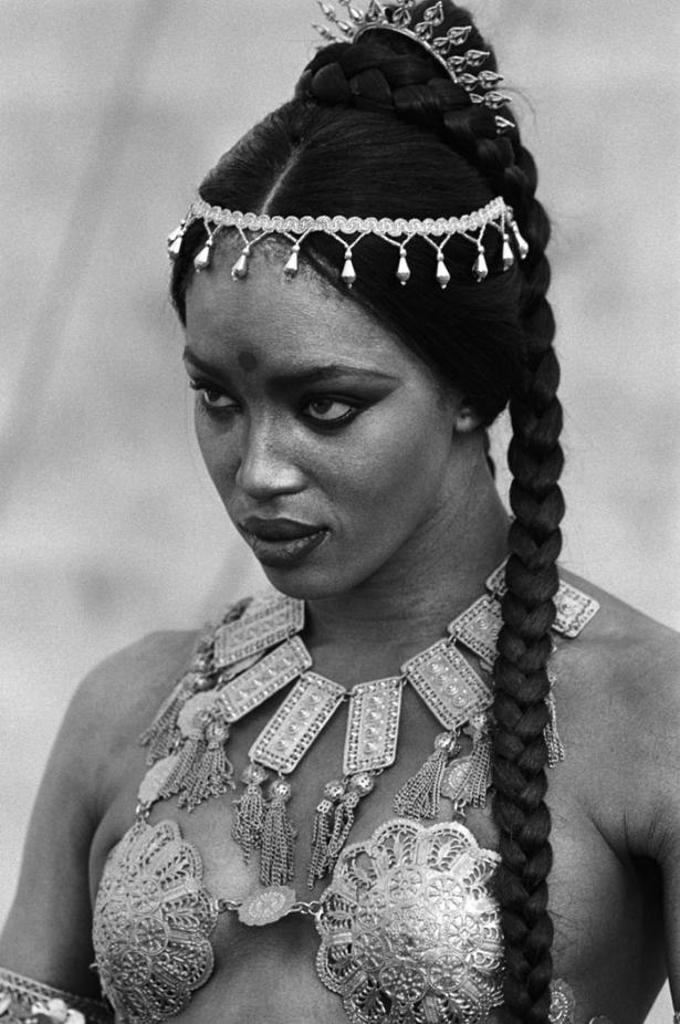 Самые сексуальные образы Наоми Кэмпбелл фото  Наоми Кэмпбелл В Клипе Майкла Джексона