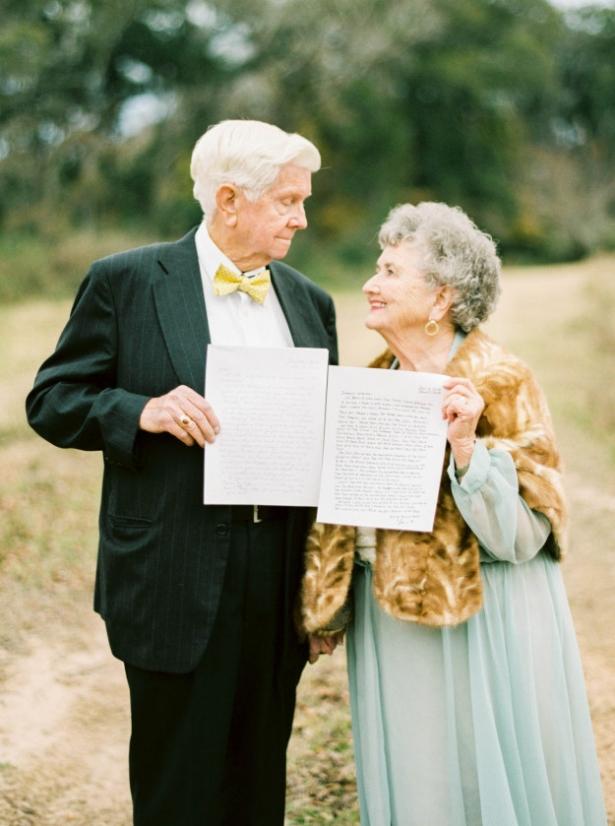 Вместе 63 года – любовь всегда побеждает: внучка сделала красивую фотосессию на годовщину свадьбы бабушки и дедушки - фото №3