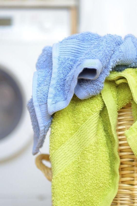 Если нет стиральной машины, стирать в тазике не обязательно