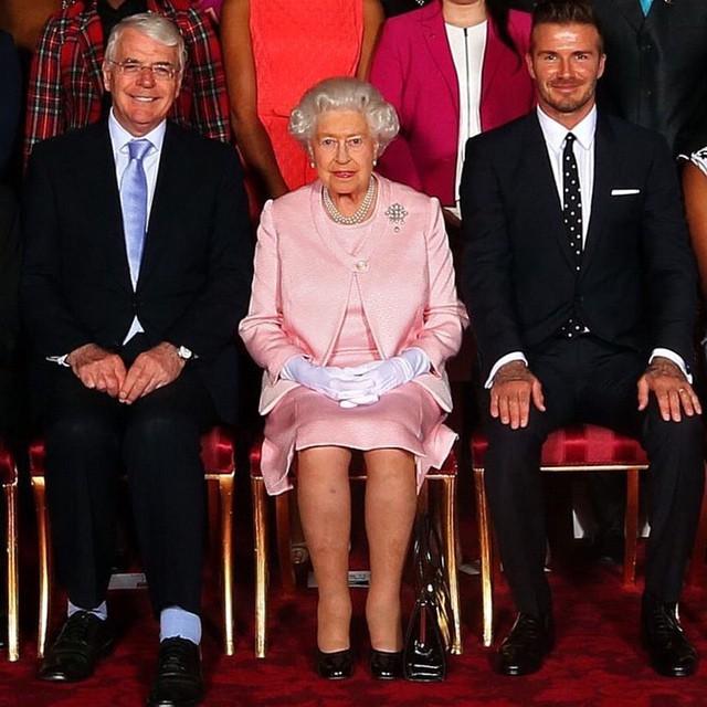 Бекхэм с королевой Елизаветой II