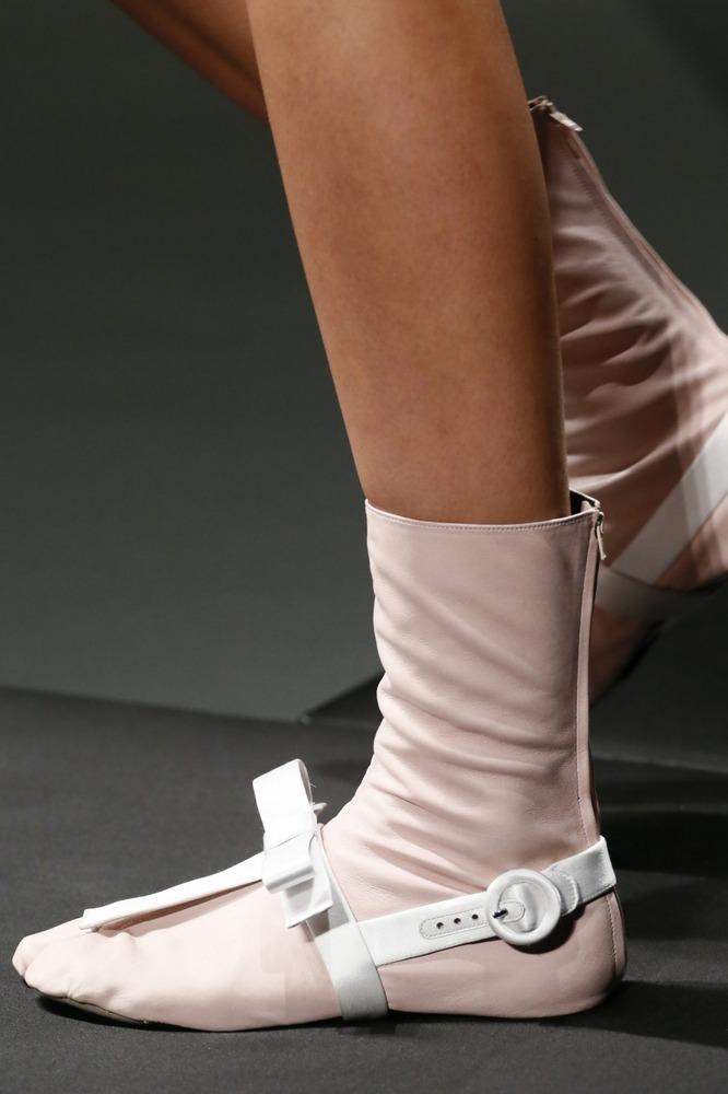 Неделя моды в Милане: восточный показ Prada - фото №12