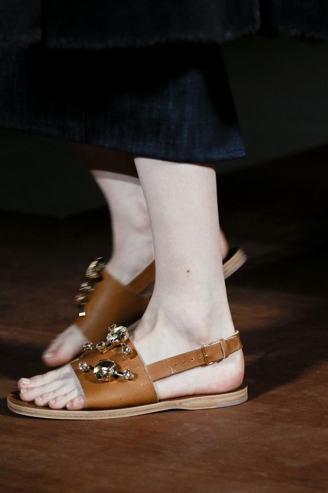 Неделя моды в Париже: показ Miu Miu - фото №6