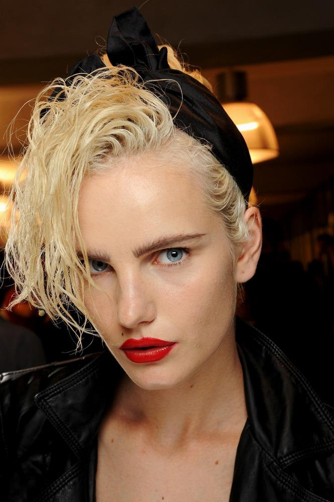 Эксцентричная Мадонна 90-х Жана-Поля Готье - фото №3