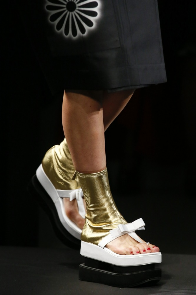 Неделя моды в Милане: восточный показ Prada - фото №9