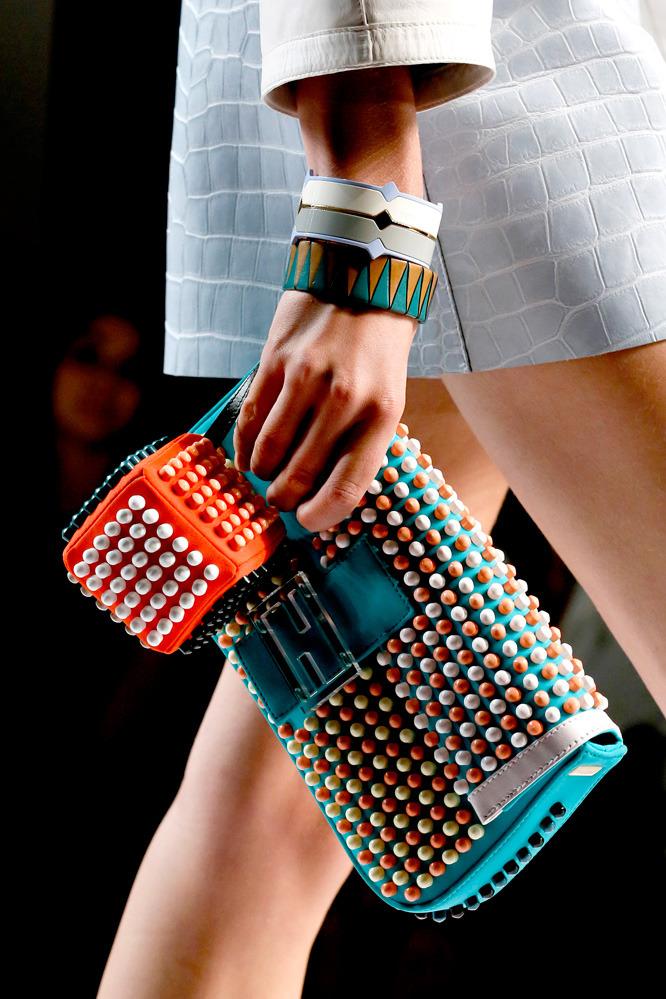 Неделя моды в Милане: футуристичный показ Fendi - фото №4