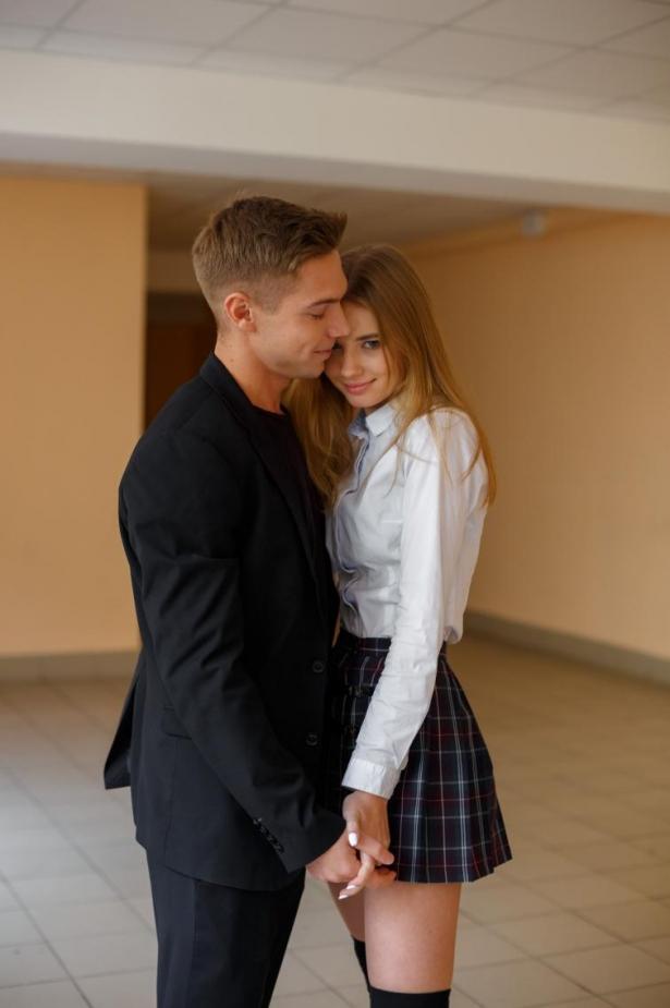 Паша и Лола Школа