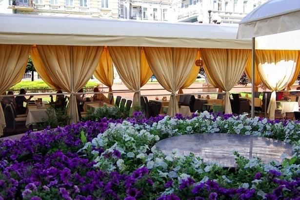 Топ-10 лучших ресторанов и кафе с летними террасами в Киеве - фото №7