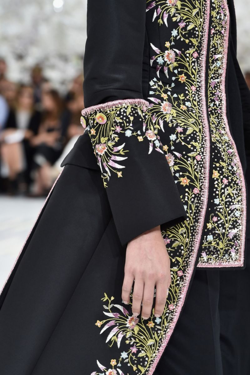 Неделя высокой моды в Париже: Christian Dior осень-зима 2014-2015 - фото №3