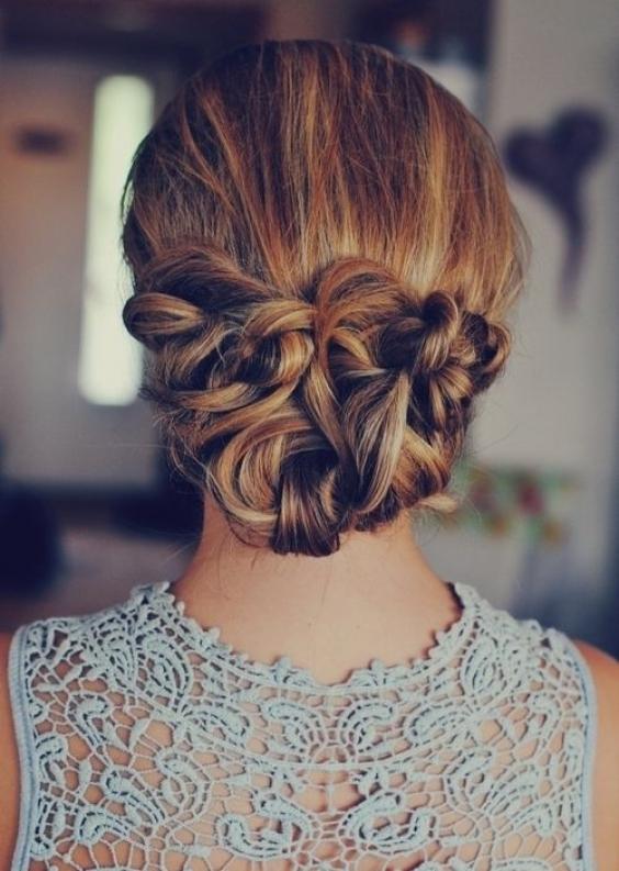 Самые красивые прически на выпускной вечер: фото простых причесок для волос любой длины - фото №34